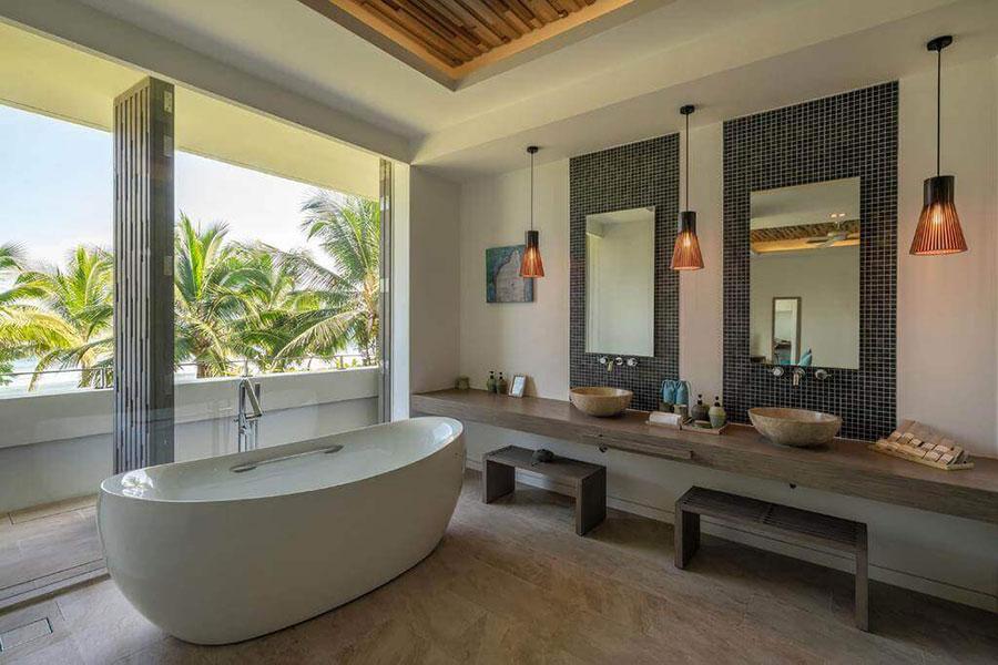 Nhà tắm được thiết kế rất đẹp